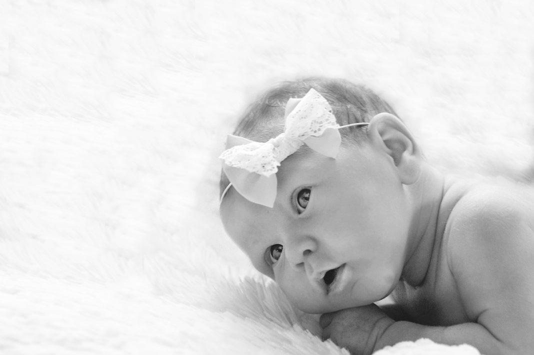 Jak poradzić sobie z bólem przy ząbkowaniu u niemowlaka?